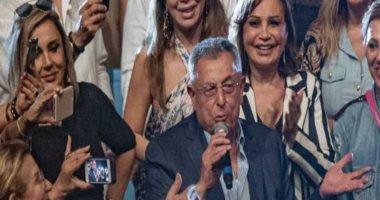 """فيديو.. رئيس الحكومة اللبنانية الأسبق فؤاد السنيورة يغنى """"سواح"""" للعندليب"""