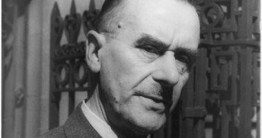 فى ذكرى رحيله.. لماذا سحب هتلر الجنسية من توماس مان؟
