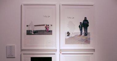 فنانون فلسطينيون يحيون ذكرى محمود درويش بمعرض استلهموا فكرته من قصائده(صور)