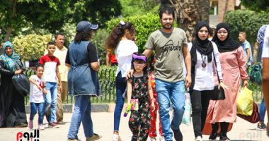 إقبال المواطنين على حديقة الفسطاط فى ثالث أيام العيد