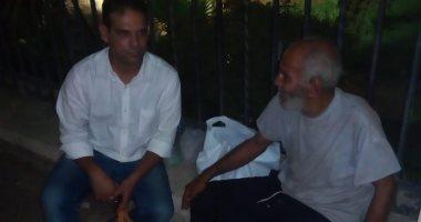 فريق التدخل السريع بوزارة التضامن ينقذ مسناً بلا مأوى فى الجيزة