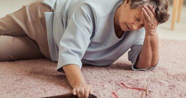 لكبار السن.. احمِ نفسك من كسر العظام بسبب السقوط بـ 5 نصائح