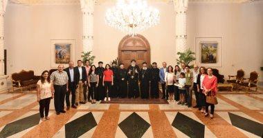 البابا تواضروس يلتقي  كهنة ومجلس كنيسة العذراء بالتجمع الخامس