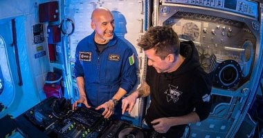 رائد فضاء إيطالى يصبح أول DJ فى العالم خارج الأرض.. فيديو