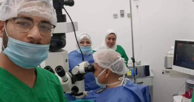 صور.. منظومة التأمين الصحى ببورسعيد تنقذ عين بائع متجول أصيبت بجسم معدنى