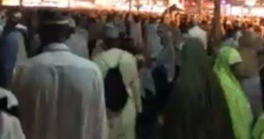 كاميرا اليوم السابع فى جولة ليلية بشارع إبراهيم الخليل بمكة مقر إقامة المصريين