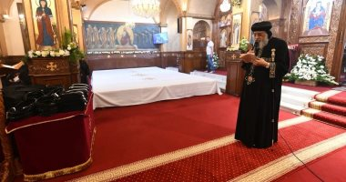البابا تواضروس يتمم رهبنة 24 أخت جديدة بدير الأمير تادرس بحارة الروم.. صور