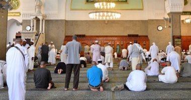 صور.. الحجاج المصريون يزورون قباء أول مسجد أسسه الرسول بالمدينة المنورة