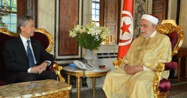 الصين تدعو تونس لمراجعة تشريعاتها لتسهيل إجراءات المستثمرين