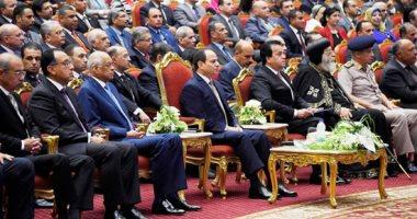 السيسى يشاهد فيلما تسجيليا حول أهمية البحث العلمى فى مصر