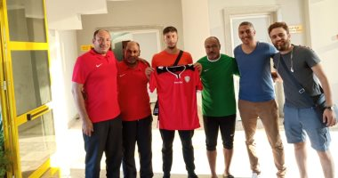صور.. الطلائع يتعاقد مع لاعب المنتخب الأولمبى الفلسطينى