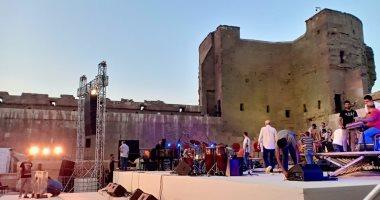 كايرو ستيبس تستعد لافتتاح مهرجان القلعة ببروفة أخيرة.. صور
