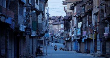 تعطل نمط الحياة فى كشمير بعد إعادة الحكومة الهندية فرض قيود على المنطقة
