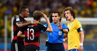 حكم فضيحة البرازيل فى كأس العالم يتجه للتدريب بعد الاعتزال