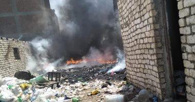 الحماية المدنية تسيطر على حريق بمخزن خردة فى قليوب