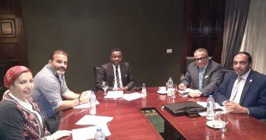 ماذا دار فى الاجتماع الأول بين اللجنة الخماسية لاتحاد الكرة ومندوب الفيفا؟