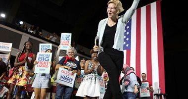 صور..المرشحة للرئاسة الأمريكية إليزابيث وارن تعقد مؤتمرا فى لوس أنجلوس