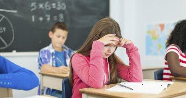 مع دخول المدارس.. لماذا يزداد الصداع عند طفلك؟ 7 طرق لعلاجه