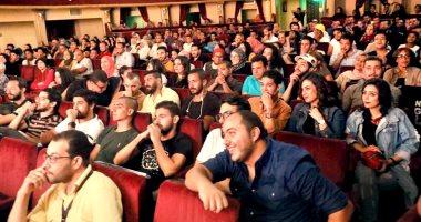 """صور.. إقبال جماهيرى على مسرحية """"كلها غلط"""" لـ أشرف عبدالباقى بالمهرجان القومى"""