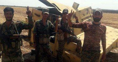صور.. الجيش السورى يمشط مدينة خان شيخون من مخلفات الإرهابيين