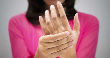 الموجات فوق الصوتية على المخ قد تخفف من رعشة اليدين الشائعة