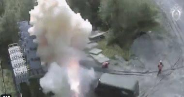 شاهد لحظة إصابة عامل بصاعقة كهربائية 6 آلاف فولت