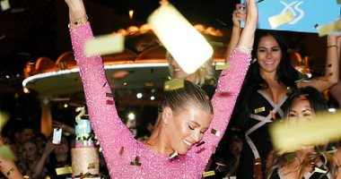 صوفيا ريتشي تدخل في وصلة رقص احتفالا بعيد ميلادها بإحدى الملاهي الليلية