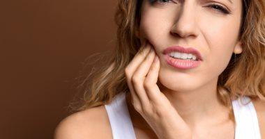 أعراض انتشار عدوى الأسنان على كامل الجسم