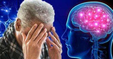 دراسة: تجنب التدخين والمشروبات الكحولية يحمى من الإصابة بالخرف
