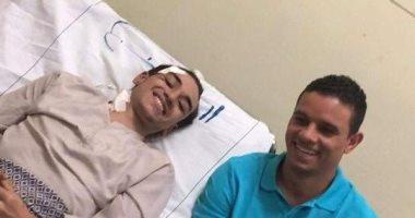 مكالمة فيديو لمحمد صلاح.. هكذا دعم سعد سمير الأهلاوى المصاب بحادث القطار