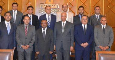 مجلس جامعة الإسكندرية يكرم أعضاء القافلة الطبية السادسة بدولة تنزانيا