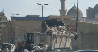 صور.. مقلب للقمامة بجوار مسجد السيدة زينب.. والحى: نقله إلى أرض فضاء
