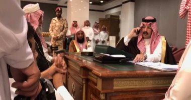 فيديو.. أمير سعودى يحقق أمنية شاب معاق بتوفير سكن ويعده بتزويجه خلال 72 ساعة