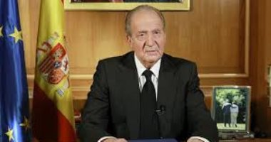 ملك إسبانيا خوان كارلوس يغادر المستشفى بعد اسبوع من خضوعه لجراحة بالقلب