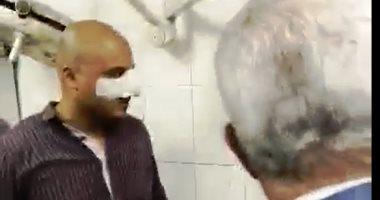 فيديو .. محافظ أسوان يكافئ أمين شرطة بعد إصابته أثناء مطاردة توك توك مخالف