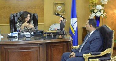 """محافظ دمياط تستقبل رئيس """"عزبة البرج"""" الجديد وتوجه بالارتقاء بمستوى الخدمات للمواطنين"""