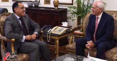 رئيس الوزراء يستقبل سفير اليونان بالقاهرة بمناسبة انتهاء فترة عمله فى مصر