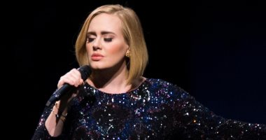 ثلاثة أسابيع على طرح ألبوم Adele الجديد perky as hell