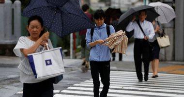 """شاهد.. إعصار """"فاكساى"""" يشل حركة المواصلات فى طوكيو"""