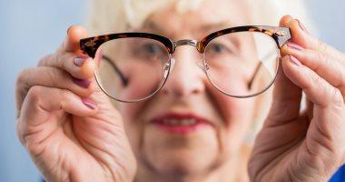 بعد الستين.. كيف تحافظ على صحة عينيك؟