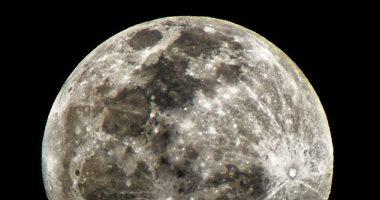 هل يوجد ذهب على القمر؟ علماء يجيبون عن السؤال