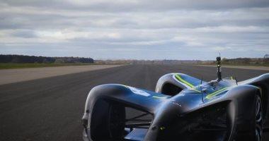 سيارة بدون سائق تسجل رقم قياسياً فى السرعة.. فيديو