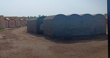 محافظ دمياط تحيل مخالفات إنشاء مقابر على أرض زراعية للنيابة