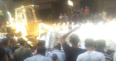 صور.. مصرع 6 أشخاص وإصابة 5 إثر سقوط ميكروباص من أعلى محور صفط اللبن