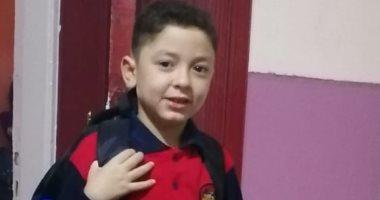 أول يوم مدرسة.. محمد يشارك بصورة لابنه عمرو فى اليوم الدراسى الأول