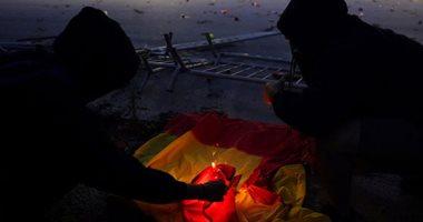 متظاهرو كتالونيا يحرقون العلم الإسبانى خلال مسيرات المطالبة باستقلالهم