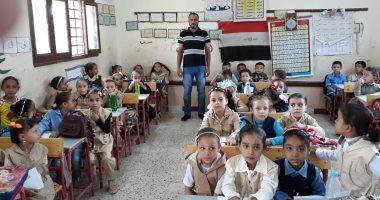 صور.. 95% نسبة حضور طلاب المنوفية للمدارس فى أول يوم دراسى