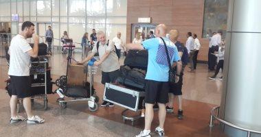 كؤوس مانشستر سيتي الإنجليزي تصل مطار القاهرة ضمن جولتها العالمية