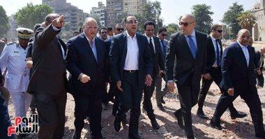 رئيس الوزراء يتابع أعمال إزالة المدابغ بسور مجرى العيون