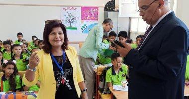 وكيل تعليم الأقصر يتفقد المدارس لمتابعة الدراسة باليوم الثانى للعام الجديد